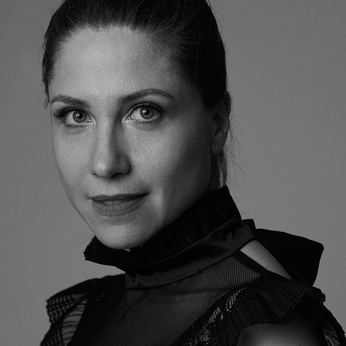 Elena Perseil portret
